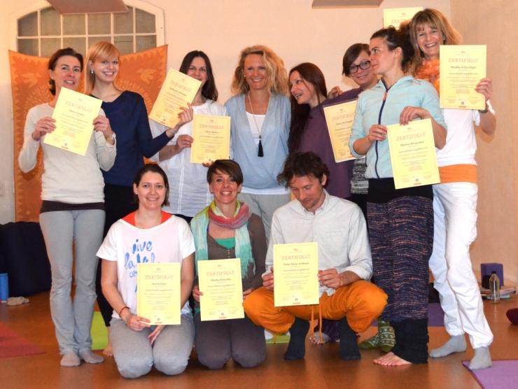 Die ersten Gesundheitsyogalehrer sind fertig!!! Gratulation an diese wunderbare Gruppe!