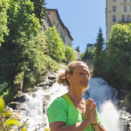 Ruhe und Erholung durch Gesundheitsyoga